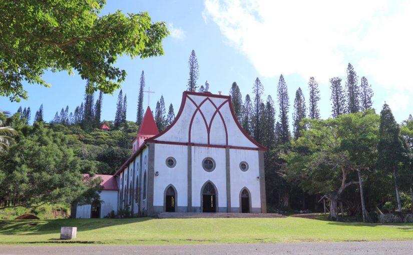 イルデパン 絵本のように可愛らしいバオ村の教会-レンタサイクルでバオ村観光-ニューカレドニア旅行記