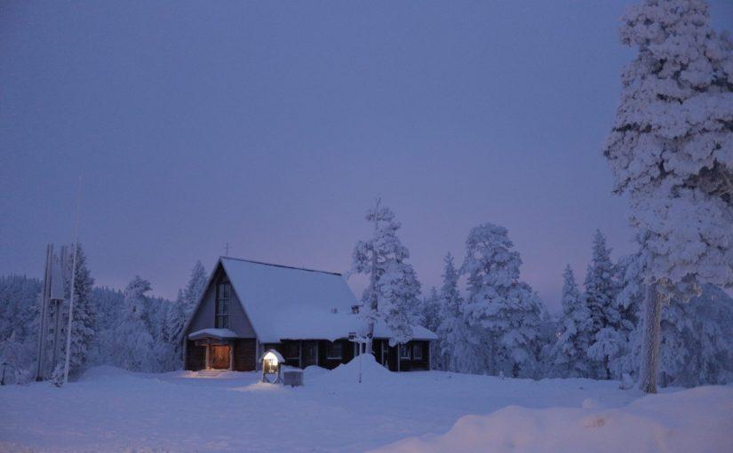 サーリセルカの教会-自然の中に佇む小さな教会-フィンランド旅行記